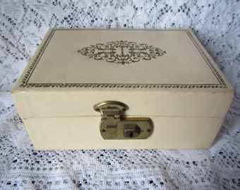 vintage  JEWELRY BOX  ** Cream color with gold trim