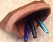 Traveller's Pen Pouch - Milk Chocolate