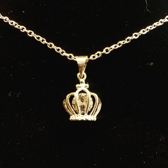 sterling silver crown pendant necklace by kinggizzy on etsy