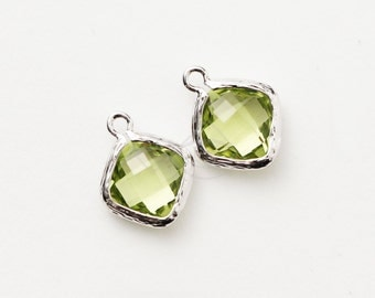 1069222 / Apple Green / Rhodium Plated Brass Framed Glass Pendant  10.5mm x 13mm / 0.6g / 2pcs