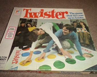 Vintage 1966 Twister board game good condition