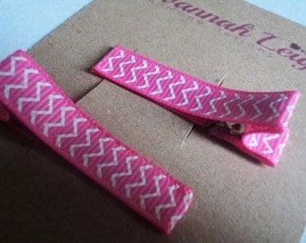 White pink chevron print grosgrain girls hairclips