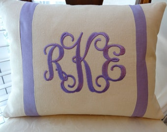 personalized gift/monogrammed pillow/monogrammed birthday gift/personalized dorm room decor