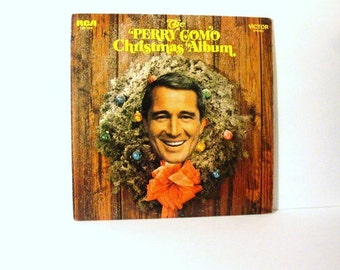 The Many Moods of CHRISTMAS with Perry Como LSP-4016 The Perry Como Christmas Album. Vintage Vinyl Record Album.  Nice Condition