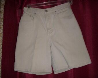 Vintage Old Navy denim shorts size 8 high waisted light denim