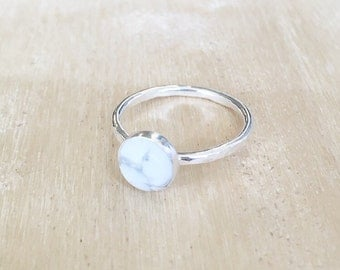 Hammered howlite ring, sterling silver ring, howlite ring, marble stone, marble ring