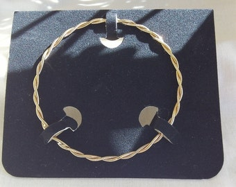 Sarah Coventry Double Twist Goldentone Bracelet 9033   Vintage in Box