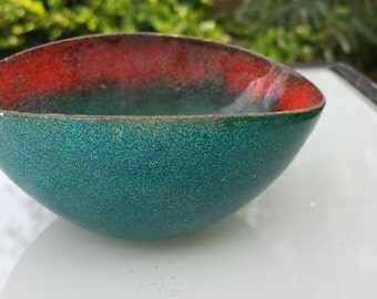 Vintage enameled bowl