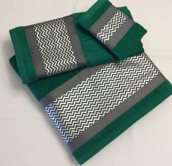 Bathroom collection 3pc towel set emerald green embellished for Emerald green bathroom accessories