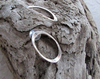 Vintage Mid Century Modern Sterling Silver Pierced Earrings Oval Concave Hoop Excellent Marked Modernist