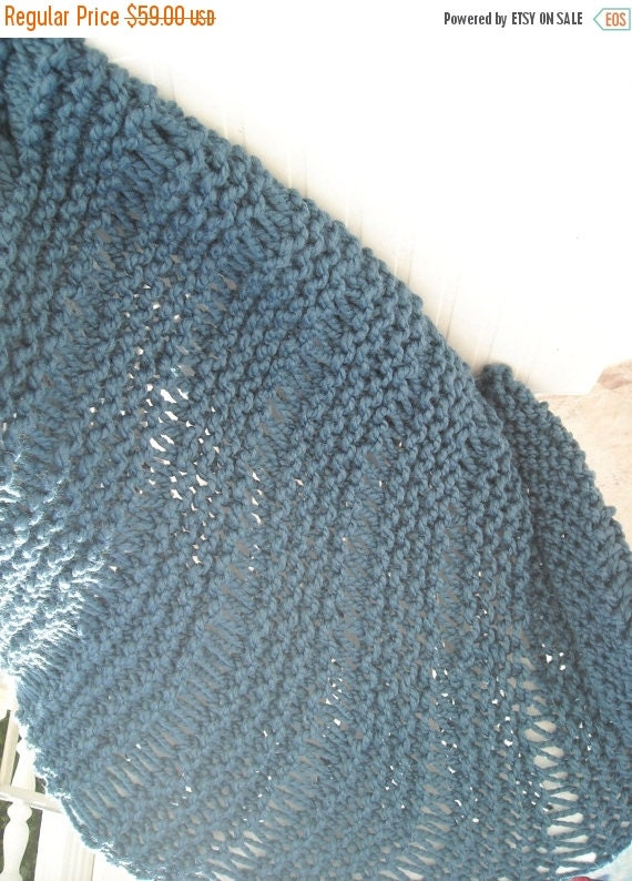 clearence sale chunky knit blue throw blanketnavy by aytulgift. Black Bedroom Furniture Sets. Home Design Ideas