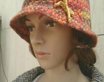 Crochet bucket hat Twenties style, multicolour, one size fits most.  Free worldwide shipping.