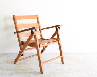 kid's chair, child's chair, child's wood chair, kids wood chair, child's wooden folding deck or lawn chair with great vintage character