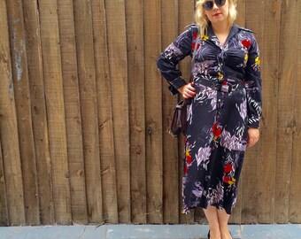Boho black floral dress // 70s black day dress // vintage 70s shirtdress // belted floral dress // 70s A line dress size Uk 12 / US 8