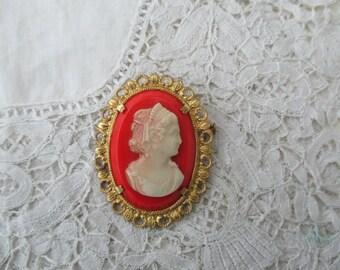 1930's cameo brooch glass