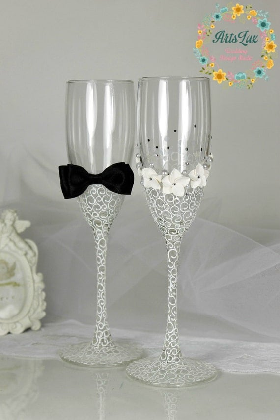 Champagne Glasses Photo Frame : Wedding champagne glasses Bride&Groom hand painted-Wedding
