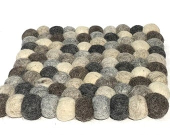 Square felt balls trivet hand made in Nepal