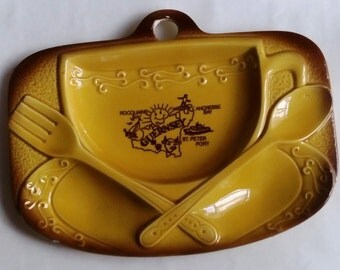 Vintage British retro ceramic spoon rest or wall hanging 1980s Guernsey, kitchen home decor