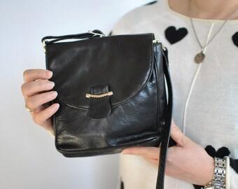 Vintage PICARD leather messenger bag ....(377)