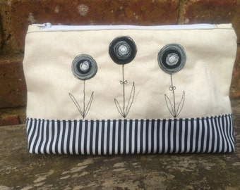Pretty pouch, make up bag, black and white