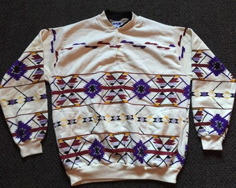 Rare Vintage Art Unlimited Mens All Over Print Outdoors Hunting Tribal Indian Cherokee Tacky Crewneck Sweatshirt Size XL