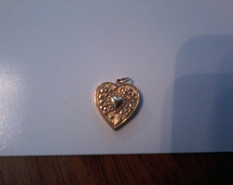Gold tone heart I Love You pendant