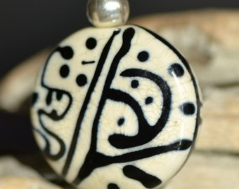 """Pendant """"Graffity"""" bead lampwork ivory and black and Silver 925"""
