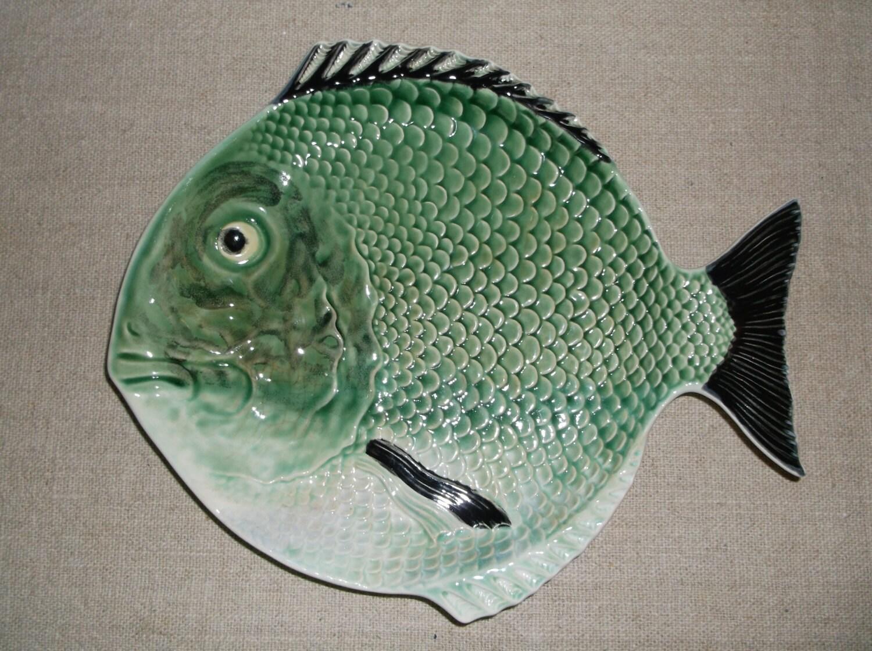 Fish serving platter majolica pottery sushi serving dish for Fish serving platter