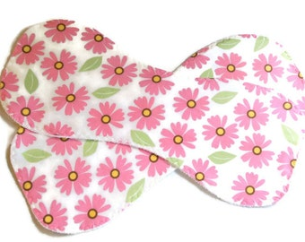 Baby gift under 20, two burp cloths, daisy burp cloths, pink white burpies, infant burp cloths, terry burp cloths, flannel burp cloths