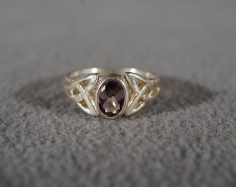 Vintage Jewelry Sterling Silver Ring Amethyst Bezel Set Celtic Knot Pattern Which Represents Eternity, size 4   KW114
