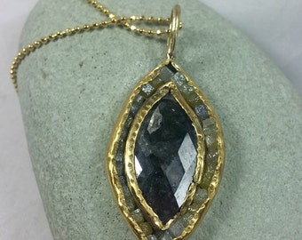large Diamond and yellow gold necklace, pendant, 3.4 carat Rose cut and raw diamond necklace, 22 karat gold necklace