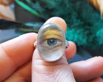 Lover's Eye Custom Portrait Ring