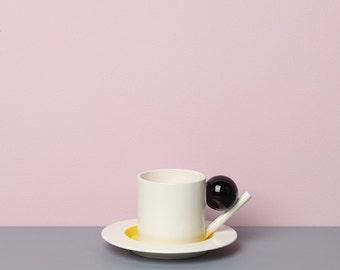 Geometric cup & saucer / black, yellow