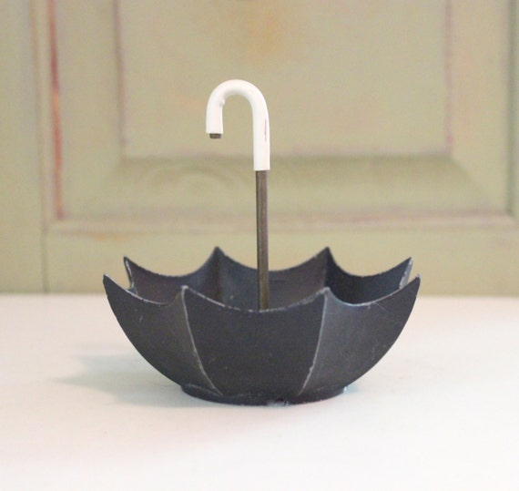 Vintage Die Cast Iron Open Umbrella Bowl Trinket Ring Dish