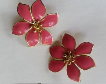 Vintage pink enamel goldtone statement floral  clip on earrings