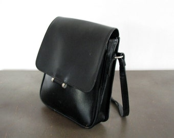 Vintage leather crossbody bag Black crossbody satchel Leather shoulder bag Leather handbag Leather purse