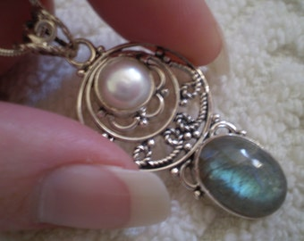 Labradorite (Natural)  Freshwater Pearl (Natural) 925 Sterling Silver Necklace - 18 Inch