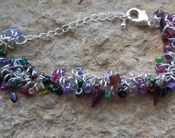 Shaggy Magatama chain bracelet - your choice of colours