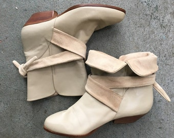 Leather Cream Ankle Boots/ 1970's Vintage Dingos/ Fold Over Short Booties/ Short Suede Stack Heel/ Light Grey Wrapped Boots/ 6