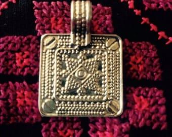 Necklace piece