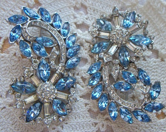 Sale! Was 28.00 Stunning Electric Sky Blue & Clear Faceted Rhinestone Matching Silver Tone Brooch/Pin Pair