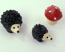 3 PC Set Red Mushroom Brown Hedgehog  Miniature Garden Plants Terrarium Doll House Ornament Fairy Decoration AZ6186