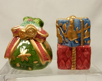 Vintage Salt and Pepper Shaker Dinnerware Set Gifts and Gift Sack Christmas