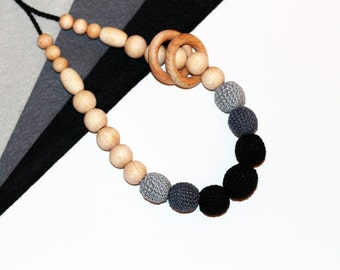 Organic Nursing Necklace - Teething Ring Necklace with Rings - Mommy Teething necklace - Nursing Necklace