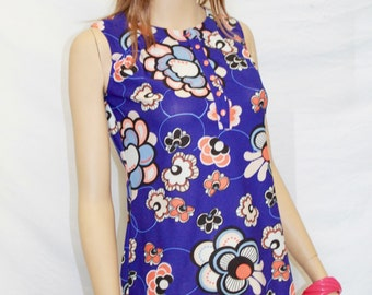 VTG mod DRESS. Size S. (Eur 34-36). 100% polyester and elastic.