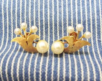 14k Gold Screw Back Pearl Earrings