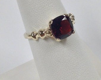 Natural Garnet Ring Solid 10kt Yellow Gold