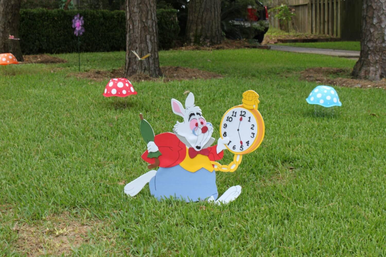 White rabbit alice in wonderland decoration yard sign room - Alice in wonderland outdoor decorations ...