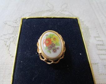 Vintage MIB AVON French Flowers locket ring adjustable