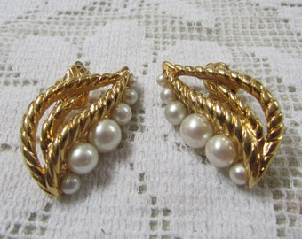 Vintage Trifari leaf and pearl comfort clip on earrings
